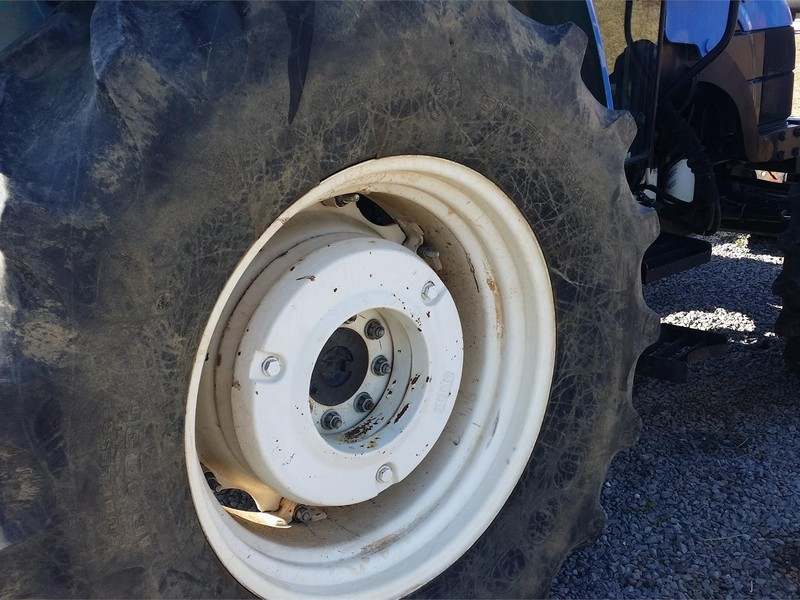New Holland Tractor Wheel Weights : New holland tl tractor scottsville ky